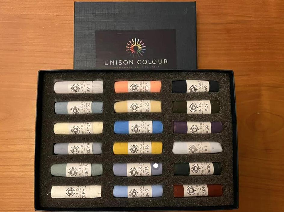 Seascapes 18 Unison Colour pastel set