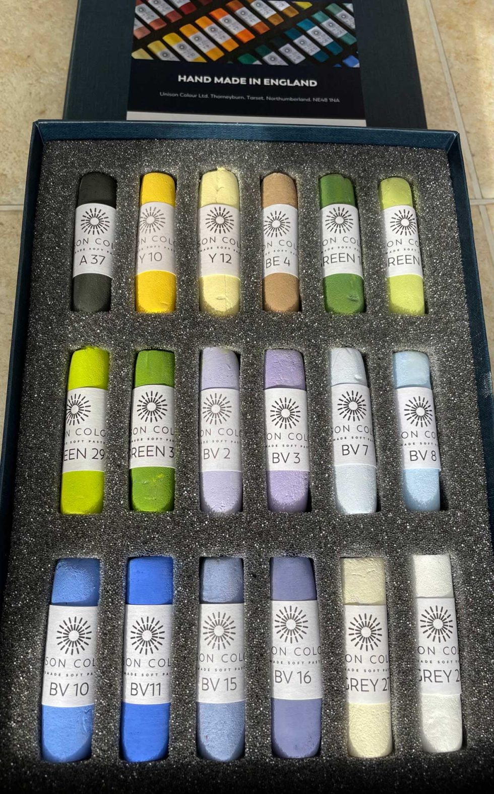 Photo of bluebell colours in pastel set